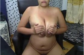 Busty latina making her show