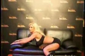 Vivian Schmitt Striptease Beauty