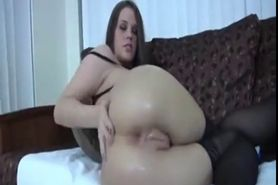 TEEN FISTING HER ASS