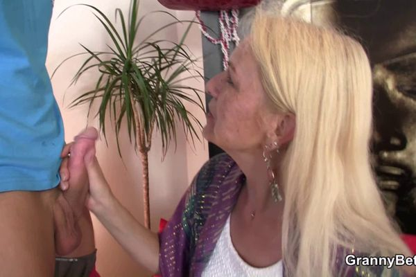 cock hungry woman is ready for hardcore sex  257531