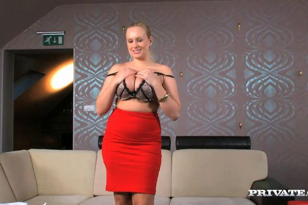 Chesty chicks Krystal Swift and Angel Wicky sucking cock and nipples № 996013 без смс