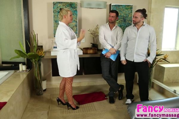 Busty MILF Maya Devine deserves to be called a professional cocksucker  806951