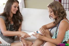 Allie Haze's big toys inside Presley Heart's wet pussy!