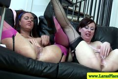 Mature stockings trio showing off