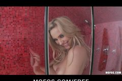 Mofos - Hot blond Sophia Knight plays with herself in shower