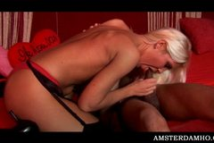Perky Amsterdam hoe fucking shaft in mouth and pussy