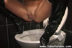 Piss: Italian Amateur Housewife Morgana