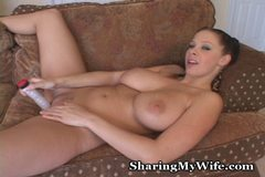 Gianna Fucks Her Pussy To Orgasm
