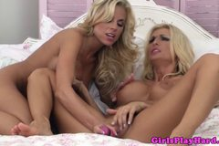 Lesbo Nicole Graves steamy pleasure