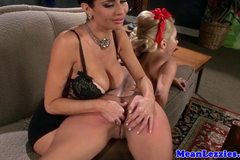Lezdom mistress rules over bimbos pussy