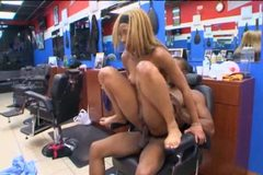 Roxy Reynolds This Ain Barbershop