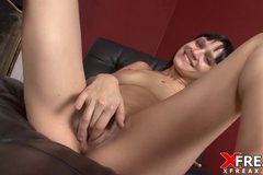 Crazy Brunette Squirts Like Crazy