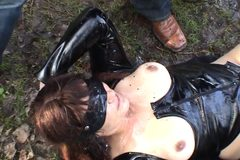 Slutwife pissed on by strangers at the lake
