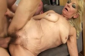 Hairy blonde granny pussyfucked deeply
