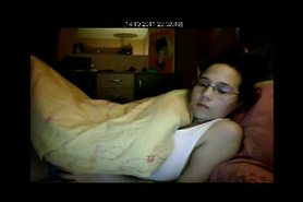 wife mastrubate on spycam in her bed