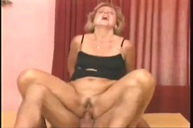 Blonde Milf Ilona Bouncing Up And Down