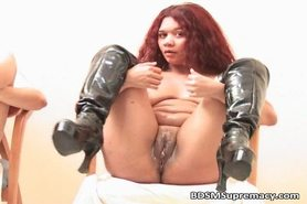 Ebony slut and white chick play in kinky game