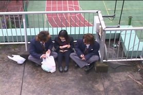 Japanese schoolgirls 03 - Outdoor lunchtime play