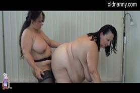 No Sound: Granny striptease