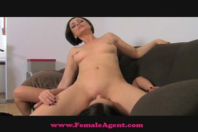 FemaleAgent Gorgeous and naiveb