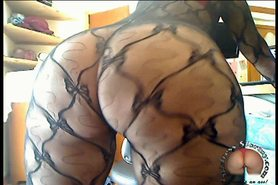 Cam: Mistress Stormy shakes her ass in a bodystocking