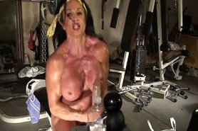 Lynn Live Muscle Cam view on tnaflix.com tube online.