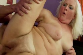 Blonde GILF amateur loves rimming butthole