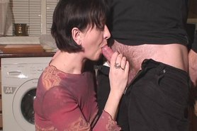 Spontanous Jerking with a huge cumshot