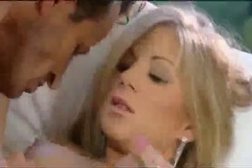 Julia Taylor - Spanish Couple in Amor