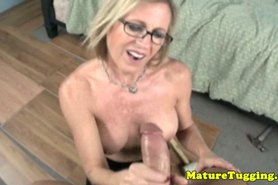 Big breasted mature spoiling dick