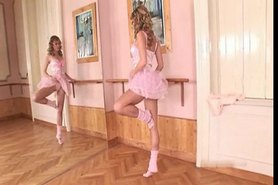 Ballerina In Rosa FISTing Her Pussy Hard ! -L1390-