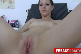 Hot babe Tarya King and old gynecologist