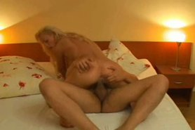 Nicole Wonder doing it for creampie on pussy