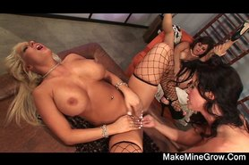 CANDY MANSON in a lesbian pussylicking orgy2