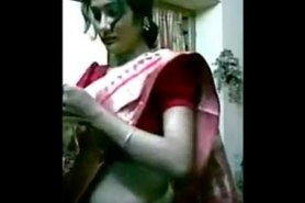 Hot and Smart Northindian Aunty filmed herself while dress Changing