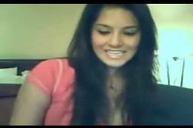 Sexy Curvy NRI Indian Gal On Webcam Showing Her Assets