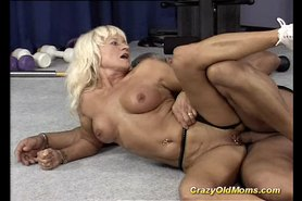Crazy old mom gets hard fucked and does oral sex deep