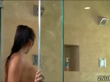 Asian juggie massages a huge meat tool in the shower