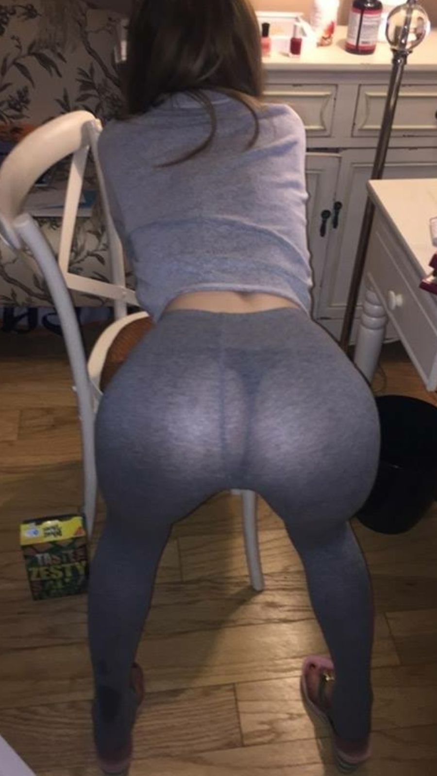 Sexy amateur girl drops her yoga pants to flaunt her sexy chubby butt naked  1752653