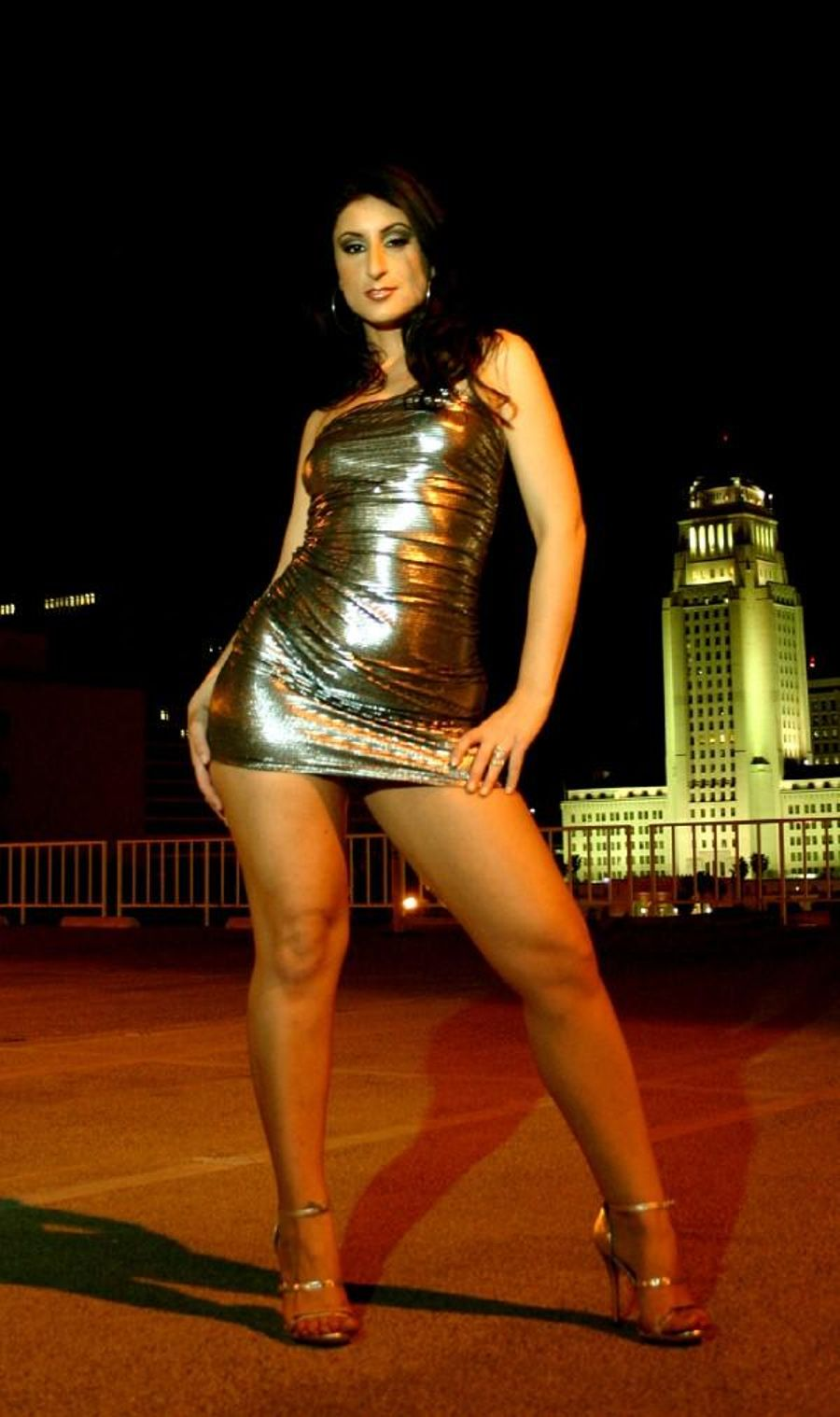 Luscious Lopez on high heels gets her body explored by a professional № 818097 без смс