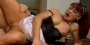 Old milf gets fucked
