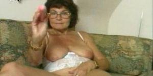 naked-granny-masturbating-coeds