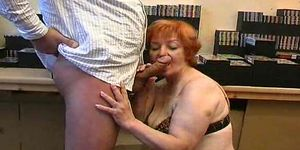 Grandma gives blowjob