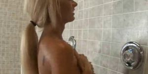 Henti doulde fucked