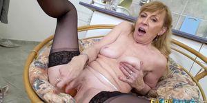 Lady striptease mature Caissa Strip