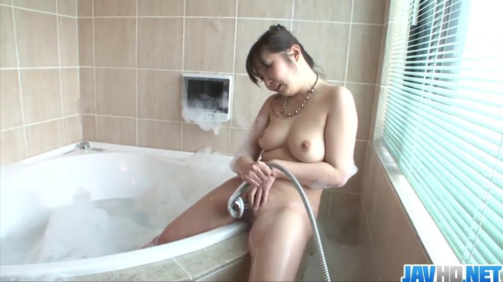 Sexy girl Haruka Oosawa solo girl action!