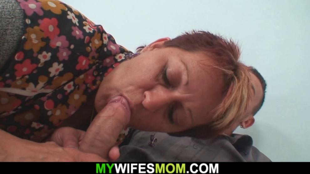 My girlfriends mom seduces me into taboo sex