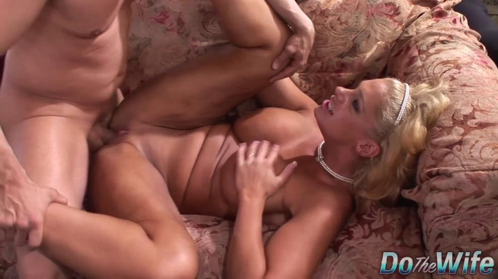 Horny Housewife Angela Aspen Unleashes Her Inner Slut for Cuckold to See