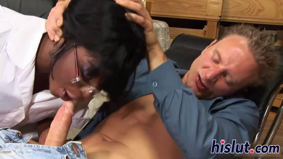 Ebony harlot pleasures a big white cock