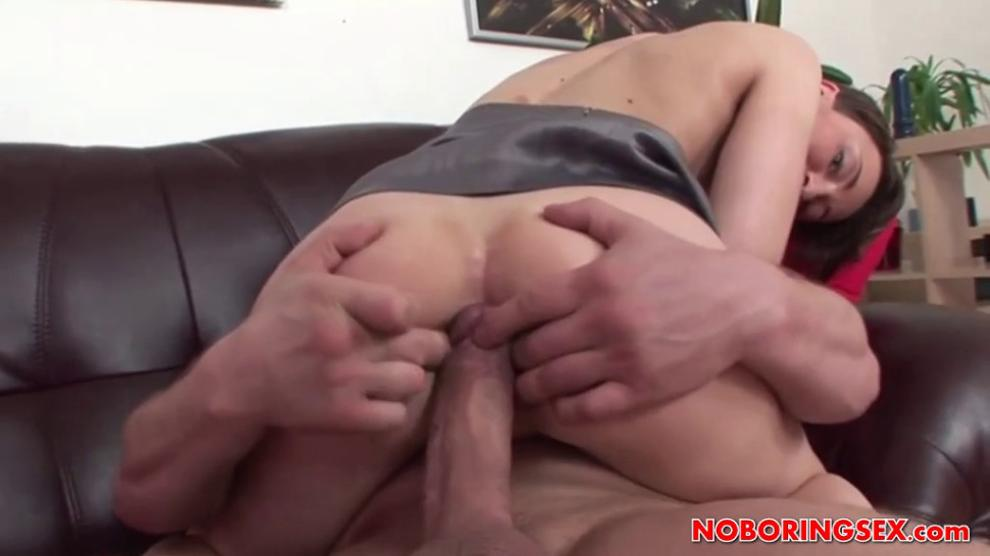 Brunette Betty In Arse to Mouth